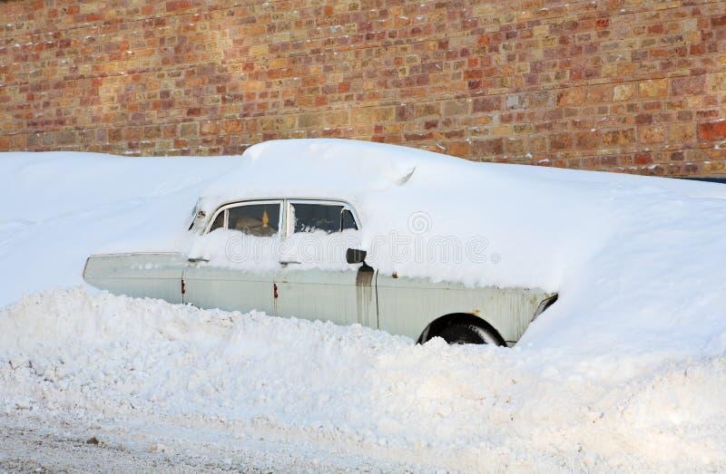 Download Wtykający w śniegu zdjęcie stock. Obraz złożonej z ślizganie - 13328084
