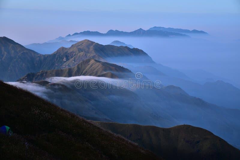 Wugong-Berg lizenzfreie stockfotos