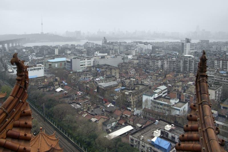 Wuhan που βλέπει από τον κίτρινο πύργο γερανών στοκ εικόνα