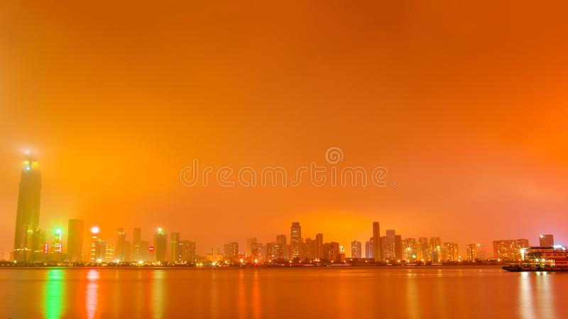 Wuhan la nuit image libre de droits