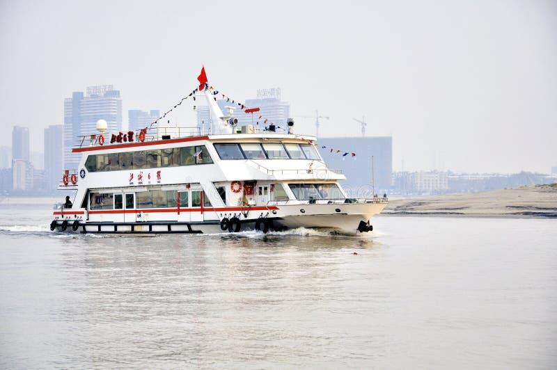 Wuhan, Porzellan: Han-Fluss Redaktionelles Stockfotografie