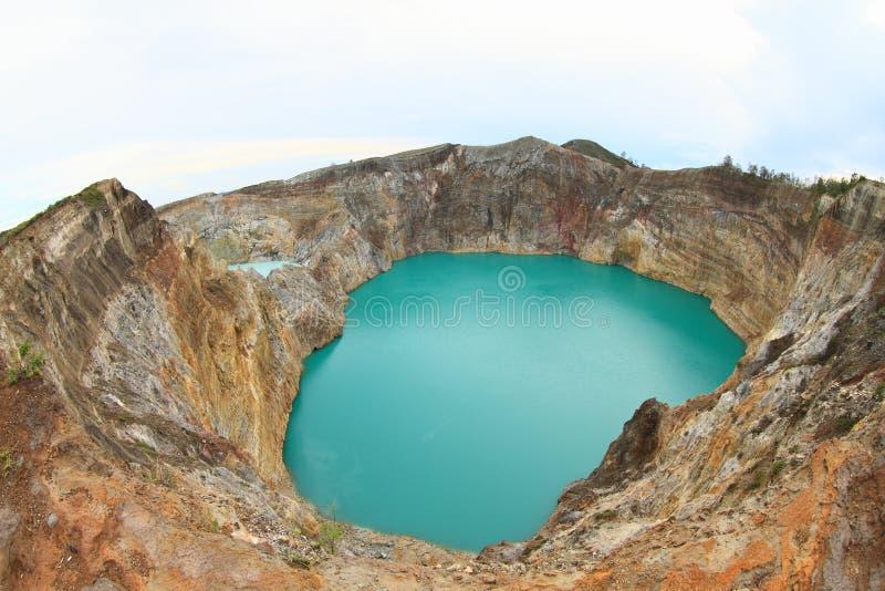 Wulkan na Kelimutu - unikalni jeziora Cynują i Stukają obraz royalty free