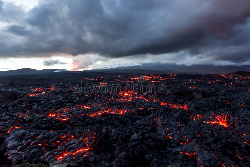 Wulkan Tolbachik Lawowi pola Rosja, Kamchatka końcówka erupcja wulkan Tolbachik obraz royalty free