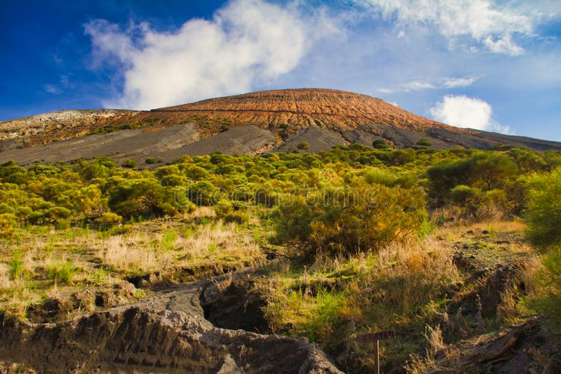Wulkan wyspy Italy Sicily geologii eolian lawowy wzgórze zdjęcia royalty free