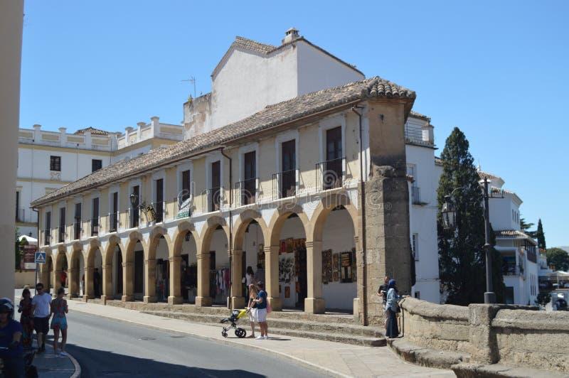 Wunderbares Gebäude des 18. Jahrhunderts wo Andenken des Dorfs von Ronda Are Sold stockfotos