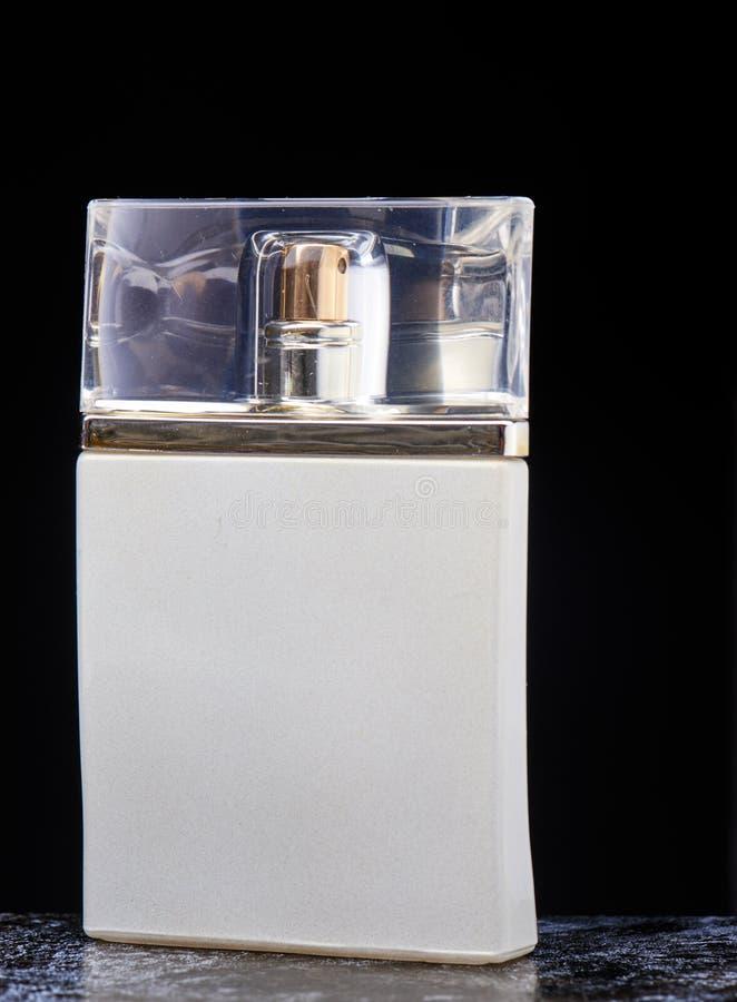 Wunderbares Männer ` s Parfüm lizenzfreie stockbilder