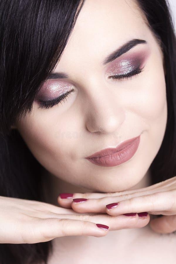 Wunderbares Make-up auf einem jungen Modell lizenzfreie stockfotos