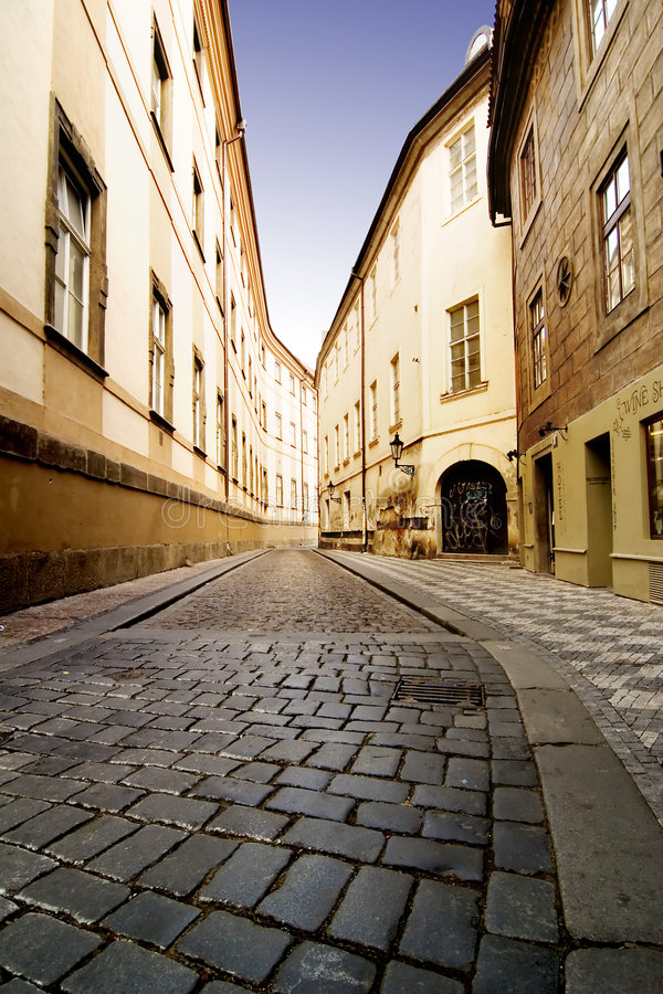 Wunderliche Straße Prag stockbild