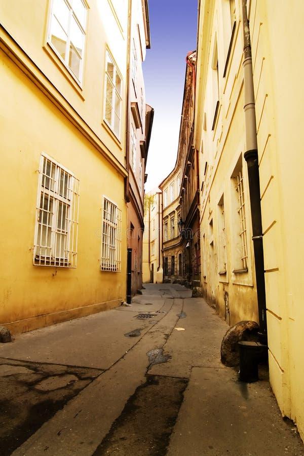 Wunderliche Straße Prag stockfotos