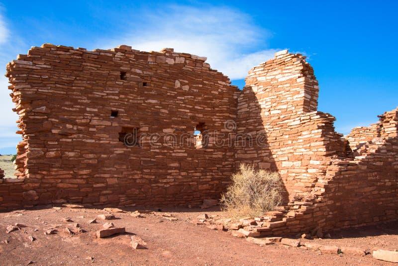 Wupatki bevarar skyddar den nationella monumentet nära flaggstången, Arizona, och denna forntida Anasazi fördärvar, kallat den Lo arkivbilder