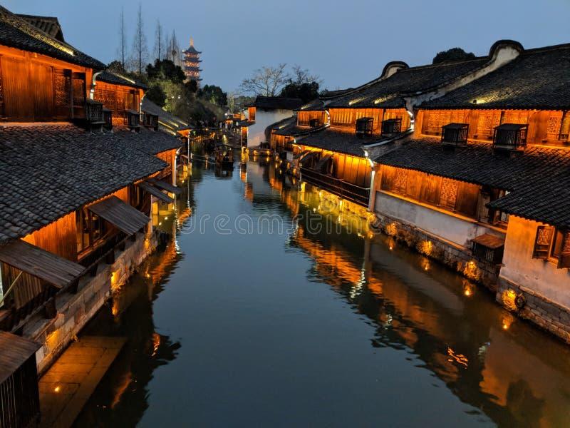 Wuzhen на наступлении ночи стоковая фотография rf