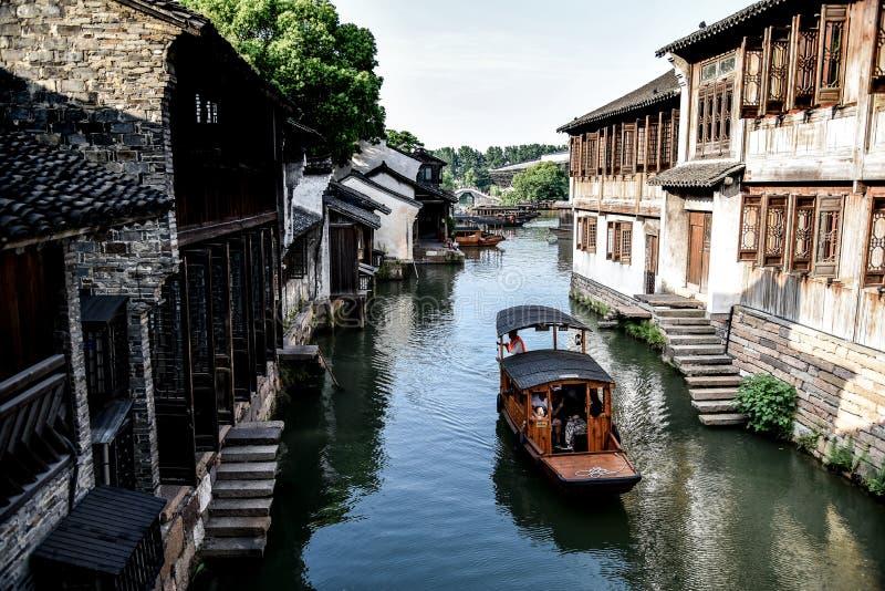 Wuzhen, Zhejiang, China - MAYO, 11, 2018: El paisaje famoso y hermoso de la ciudad del agua de la ciudad del oeste de Wuzhen de l fotografía de archivo