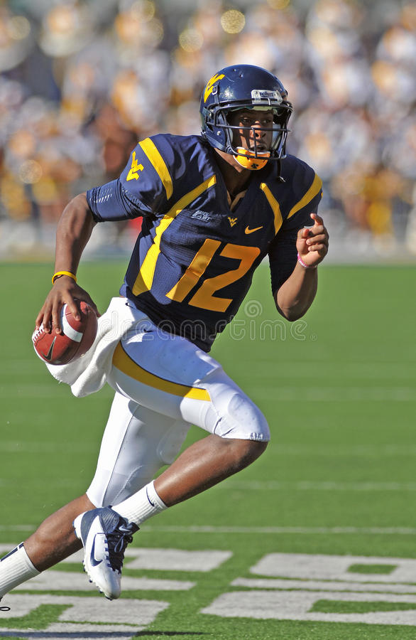 WVU Quarterback Geno Smith informationen lizenzfreie stockfotos