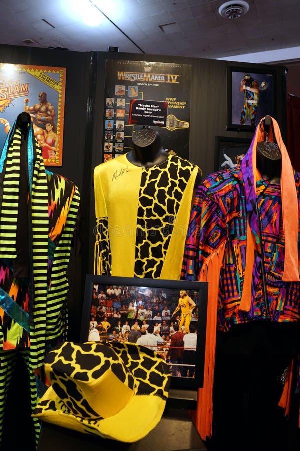 WWE传奇强壮男子的人兰迪野人成套装备和照片显示 免版税库存图片