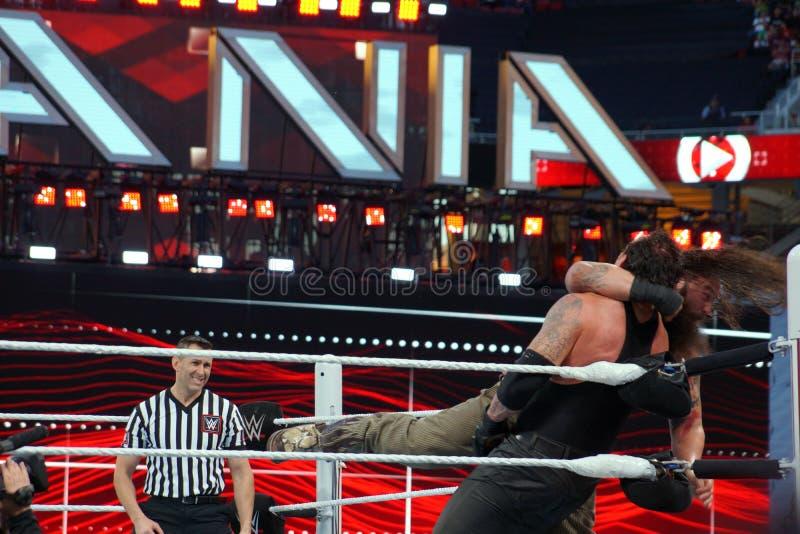 WWE-de drooglijnen van Worstelaarsbray wyatt de Begrafenisondernemer in het graan royalty-vrije stock afbeeldingen