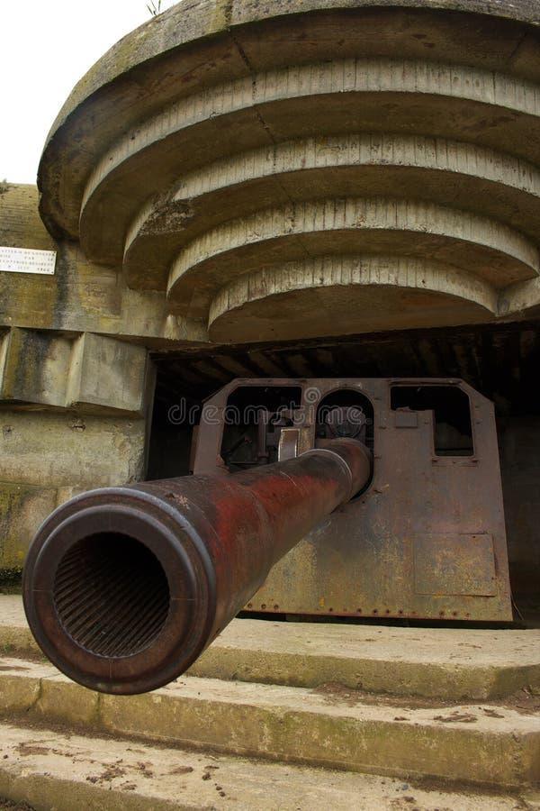 WWII Canon en Longues-Sur-Mero fotografía de archivo