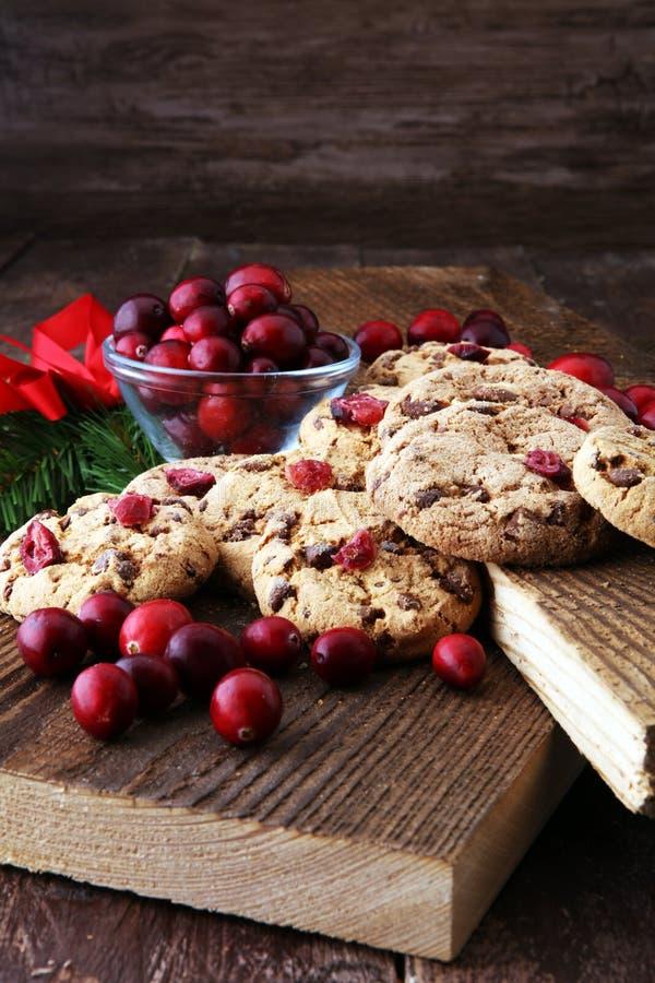 Wyśmienicie cranberry ciastka dla xmas z świeżymi cranberries obrazy royalty free