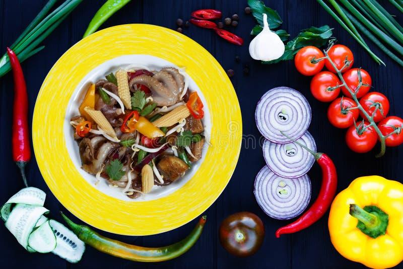 Wyśmienicie dłoniaków warzywa mieszają z soj flancami, kukurudza i zdjęcie stock