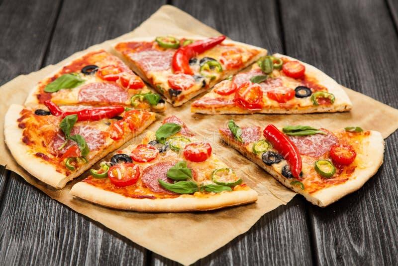 Wyśmienicie domowa robić pizza obrazy royalty free