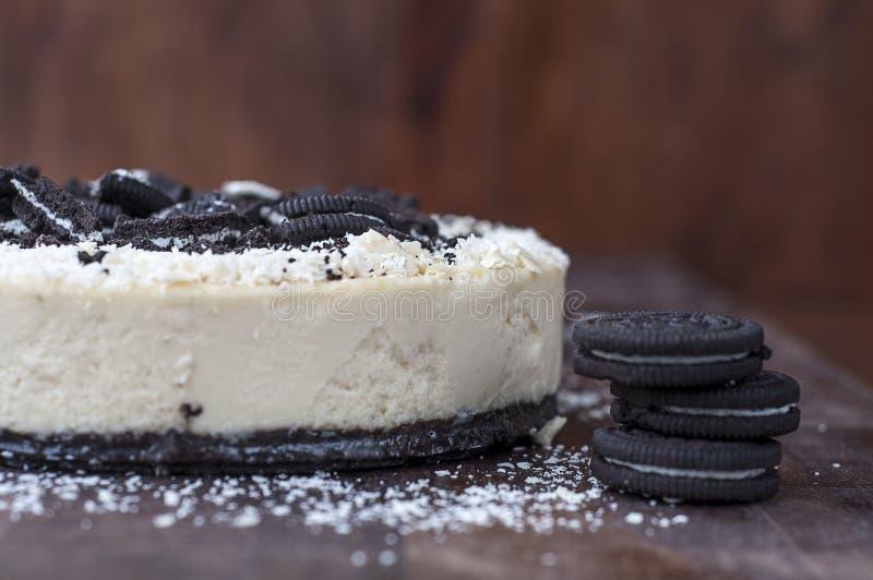 Wyśmienicie domowej roboty cheesecake z czekoladą obraz stock