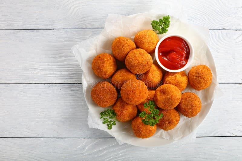 Wyśmienicie kartoflani croquettes z pomidorowym kumberlandem fotografia royalty free