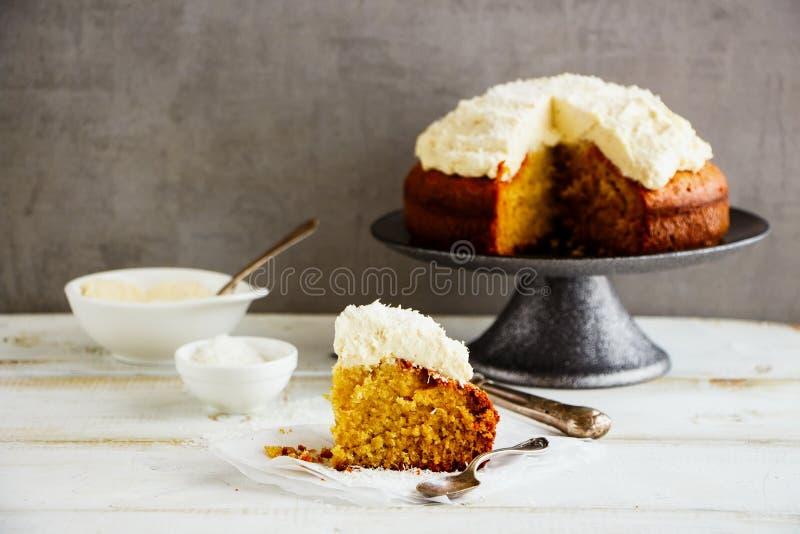 Wyśmienicie kokosowy tort zdjęcie royalty free