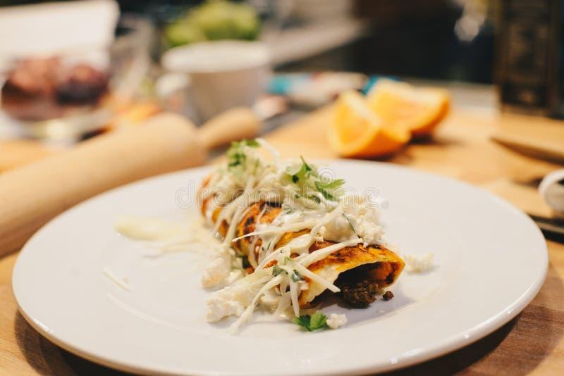 Wyśmienicie meksykański enchilada fotografia royalty free