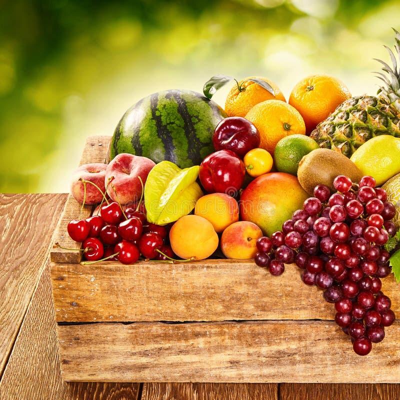 Wyśmienicie pokaz zdrowa świeża organicznie owoc fotografia stock