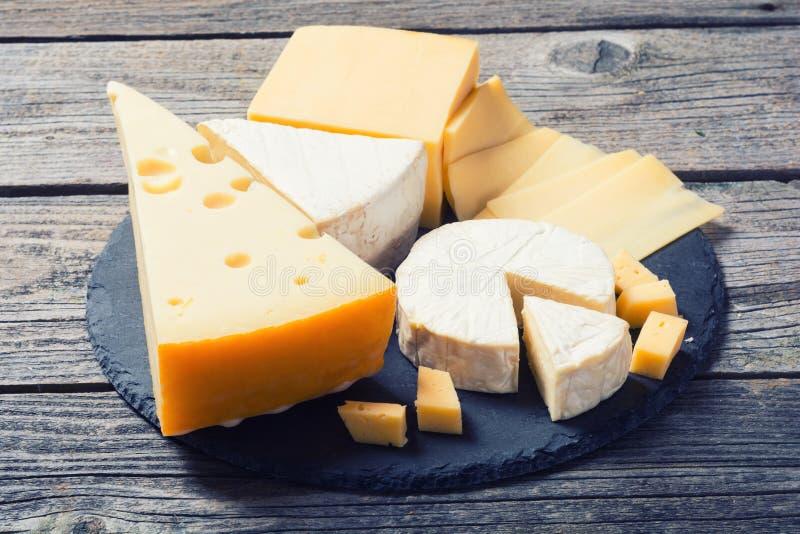 Wyśmienicie ser na stole obraz stock