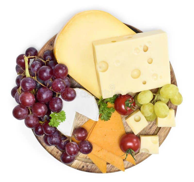 Wyśmienicie serowy talerz z różnorodnymi rodzajami ser zdjęcia stock