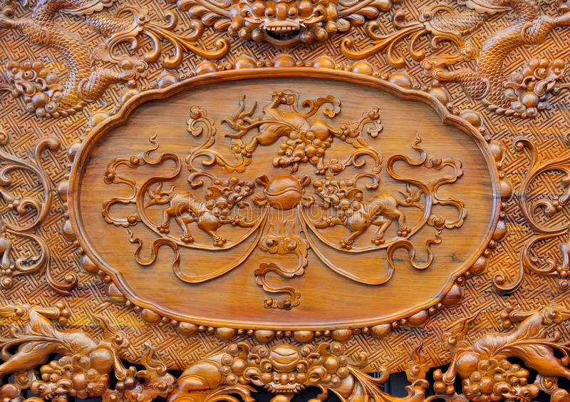 Wyśmienity rzeźba wzór na drewnianym meble obrazy stock
