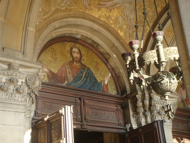 Wyższa część wejście ortodoksyjny monaster z nakreśleniem w mozaice bóg sofia Bułgaria obraz royalty free