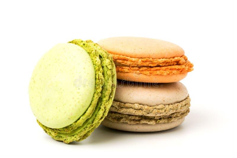 Download Wyśmienicie Macaroons Na Bielu Zdjęcie Stock - Obraz złożonej z kuchnia, biały: 106913940