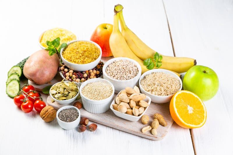 Wybór dobrzy węglowodanów źródła dieta zdrowa weganin obraz stock