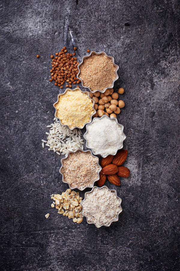 Wybór różnorodny gluten uwalnia mąkę obraz royalty free
