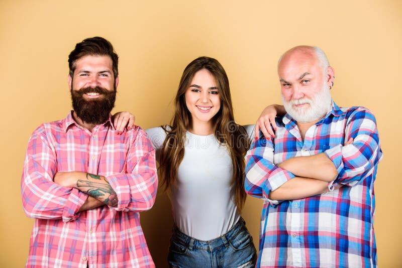 Wybierać życie partnera Seniorów mężczyzn dojrzali brodaci konkurenci Lubi dojrzałego partnera Mężczyźni i żeński threesome fotografia stock