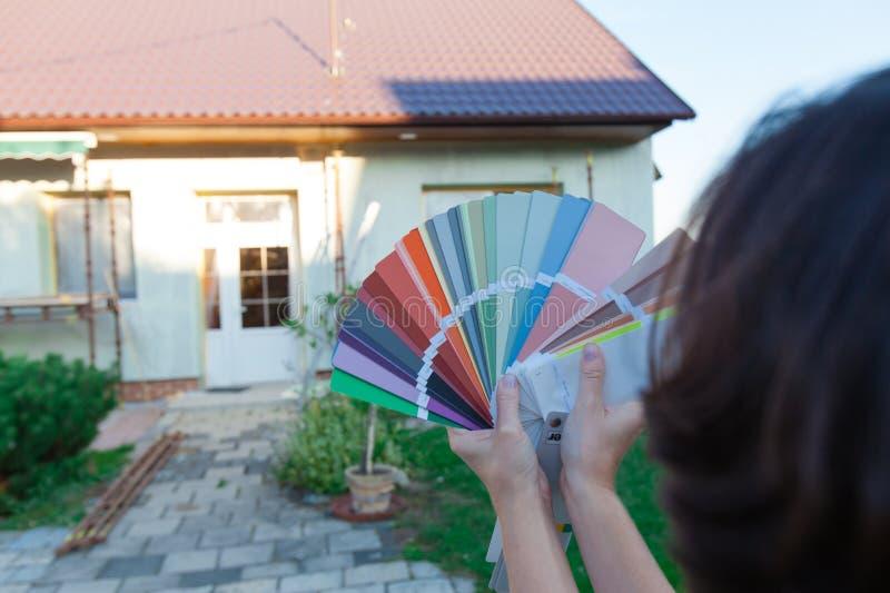 Wybierać nowego kolor fasada obraz stock