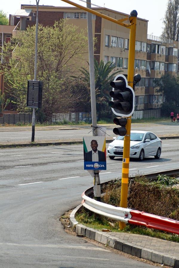 Wybory flier na oszczędnościowym słupie w Johannesburg zdjęcie royalty free