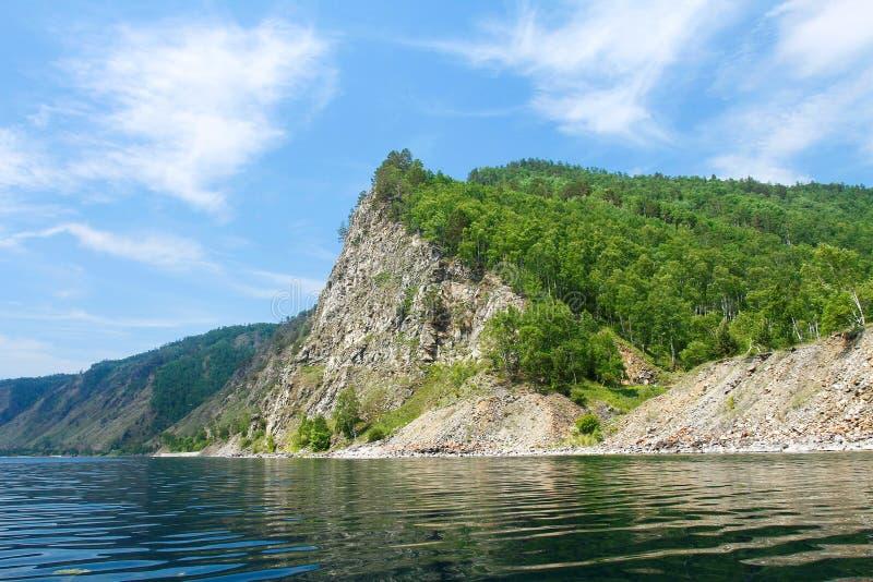 Wybrzeże Baikal linia kolejowa baikal jeziora obrazy royalty free