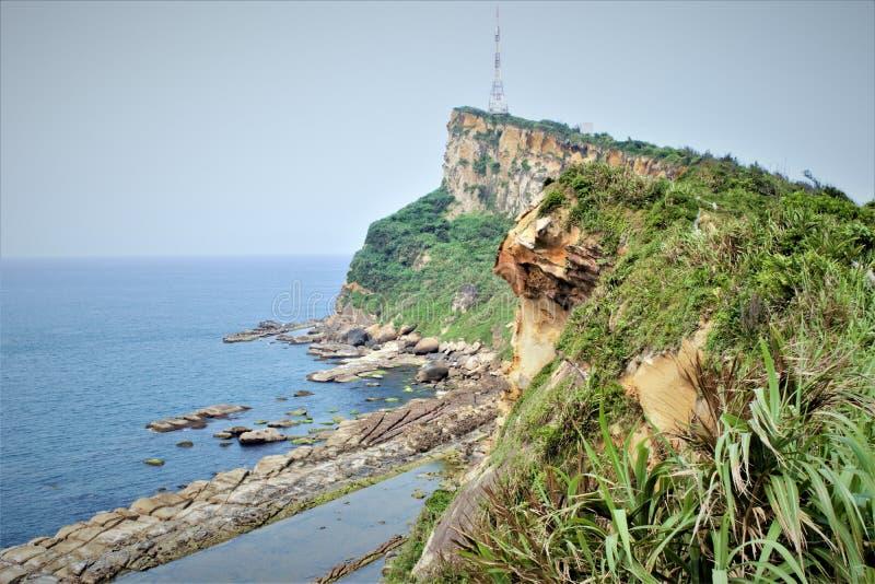 Wybrzeże blisko Yehliu Geopark, Tajwan obrazy royalty free