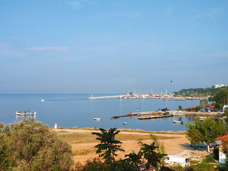 Wybrzeże miejskie z jachtem morskim, Saloniki, Grecja fotografia royalty free
