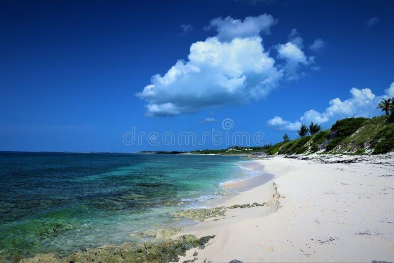 Wybrzeże Oceanu Atlantyckiego na Eleutherze na Bahamach obraz royalty free