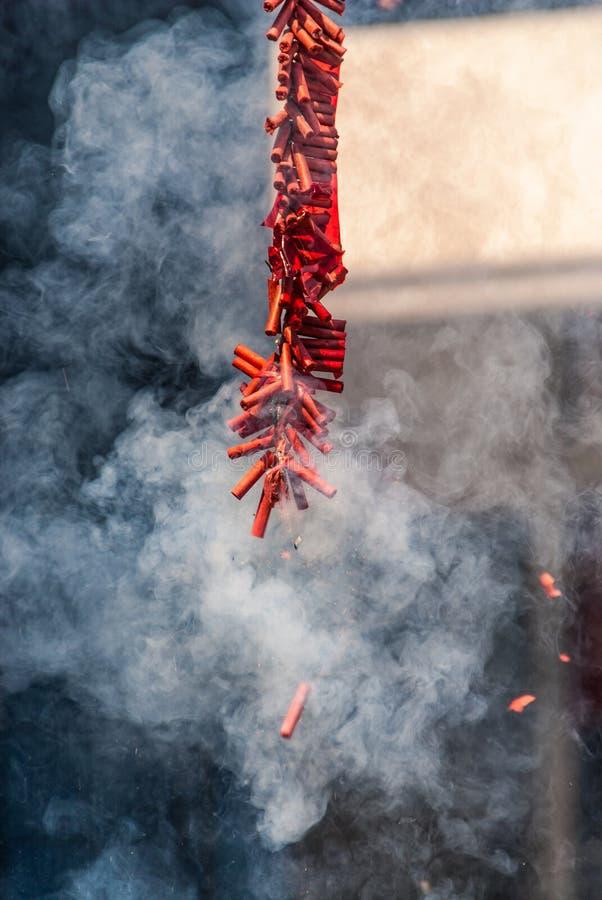 Wybuchać Chińskie petardy z dymem Dużo fotografia royalty free