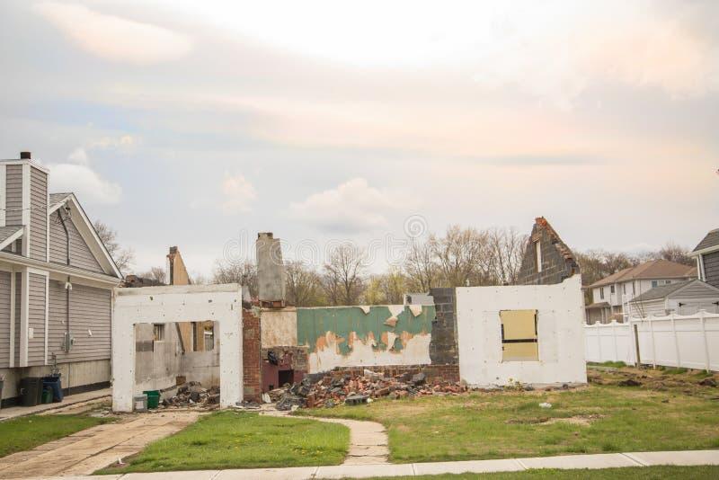 Wyburzający dom zdjęcie stock