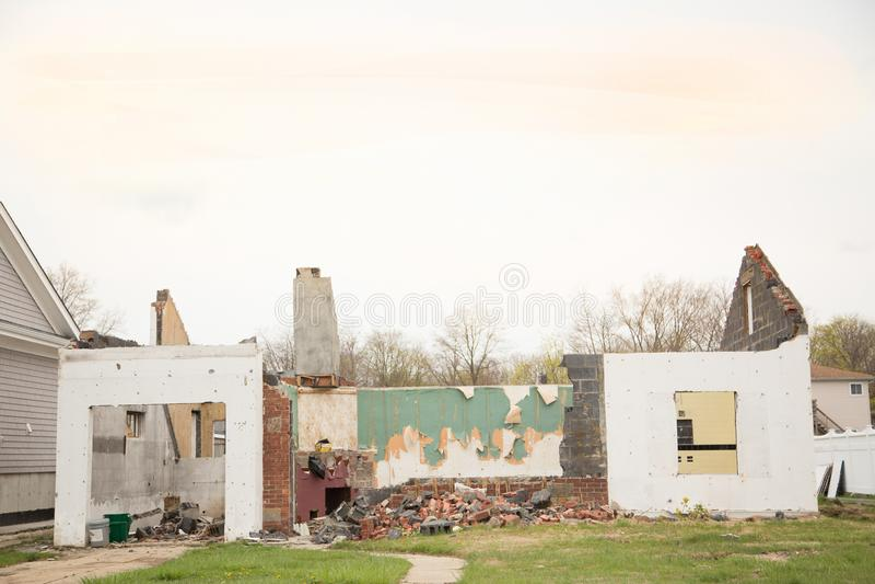 Wyburzający dom fotografia royalty free