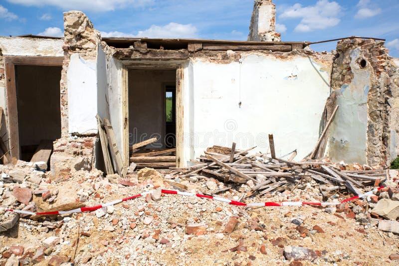 Wyburzający dom zdjęcia stock