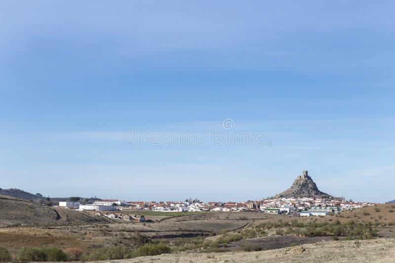 Wychodu skalisty wzgórze z kasztelem, cordoba zdjęcie royalty free