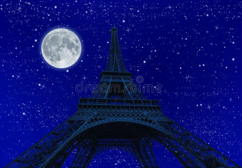 Wycieczka turysyczna Eiffel przy noc? z fullmoon obraz stock