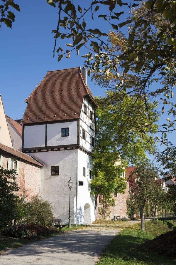 Wycieczkować ścieżkę wzdłuż miasto ściany w Donauworth, Niemcy obraz stock