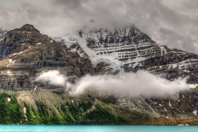 Wycieczkować góra lodowa Jeziornego ślad obraz royalty free